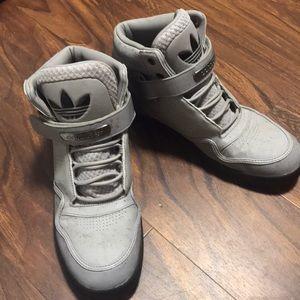 Men's Adidas Shoes - Size 11 ✨